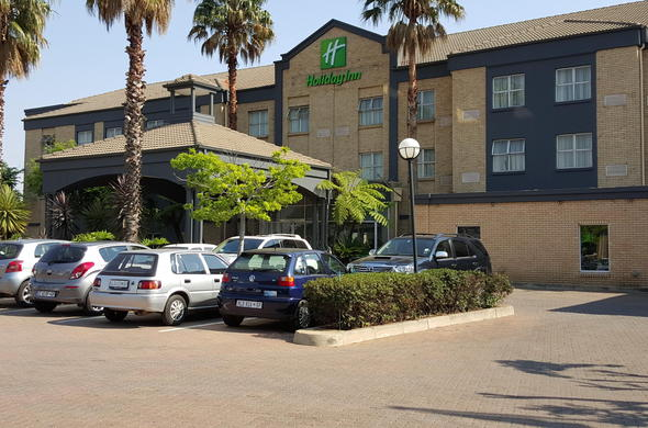 Exterior view of Holiday Inn Johannesburg Airport.
