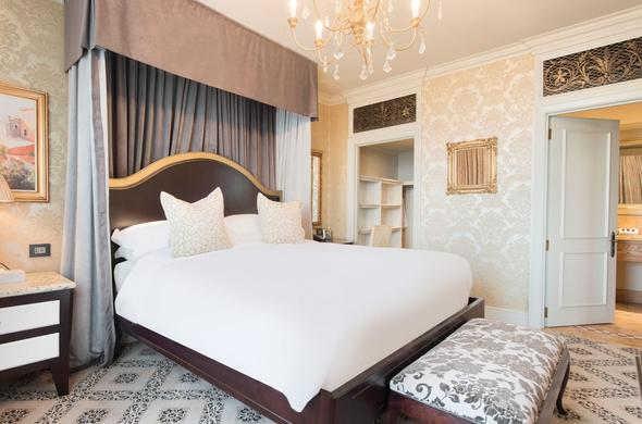 Spacious and comfortable suite at Palazzo Montecasino.